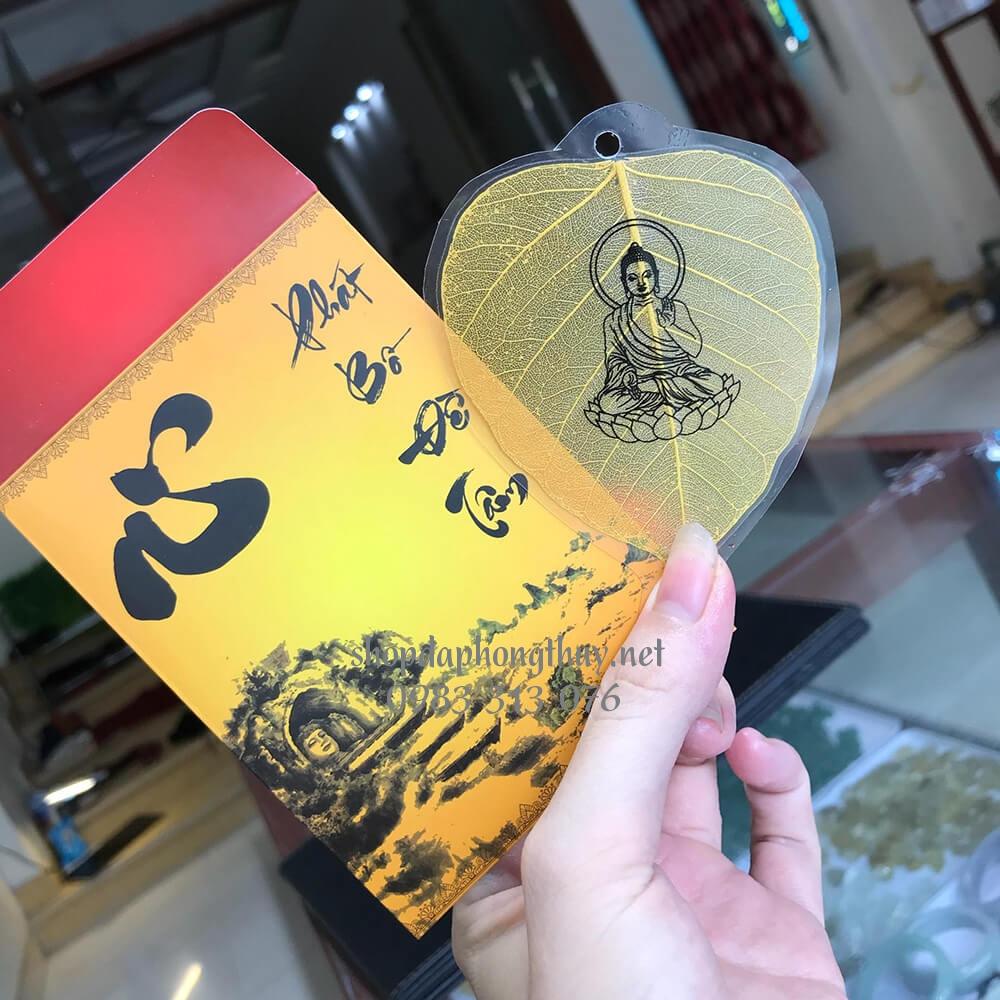 Lá bồ đề in hình phật dát vàng 10k bình an - may mắn