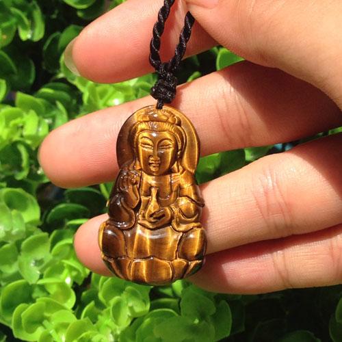 Phật bà quan âm đá mắt hổ nâu vàng