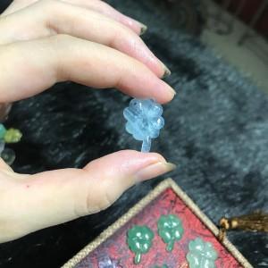 Cỏ bốn lá đá aquamarine