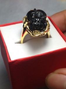 Nhẫn vàng tỳ hưu thạch anh ám khói