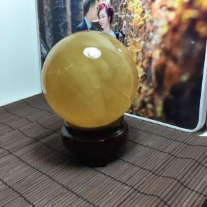 Quả cầu đá canxit vàng