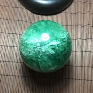 Quả cầu đá fluorit