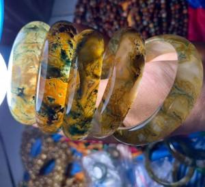 Vòng mã não rêu bản liền - Băng ngọc thủy tảo